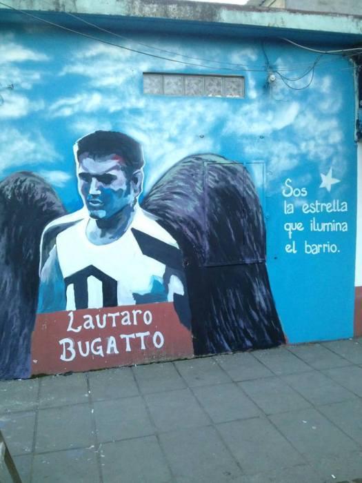 Recordaron a lautaro bugato con la inauguraci n de un for Club joven mural