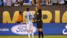 Selección Messi partido fútbol copa américa árbitro